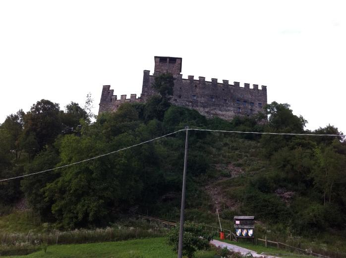 Castello di Zumelle 04