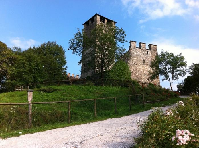 Castello di Zumelle 12