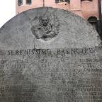 """La """"Stele del pan"""". Un vandalismo di carnevale"""